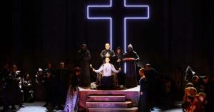 Az István, a király iskolába megy
