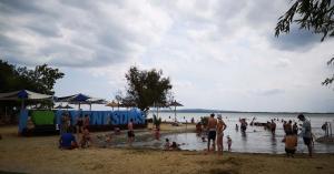 Már érezhető a vihar előtti szél a Balatonnál
