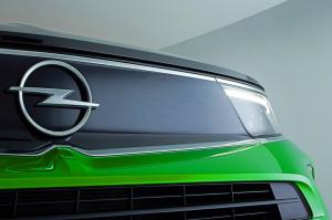 Új logója van az Opelnek