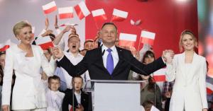 """""""Lengyelország az ékszer Soros György koronáján"""""""