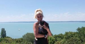 Golyó(val) körbegurult a tó körül- avagy az első Balaton-kerülő macska története