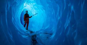 A gleccserek felét törmelék borítja világszerte