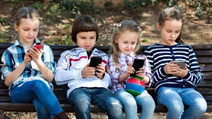 A békési szülők laptopot adnának először a gyerekeknek