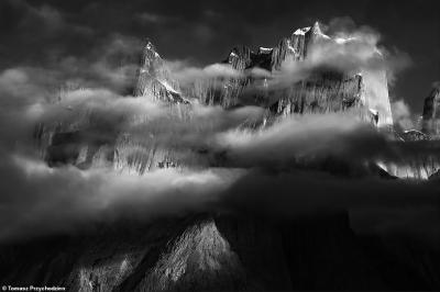 Lélegzetelállító fotók a világ legcsodálatosabb hegyláncáról - Galéria
