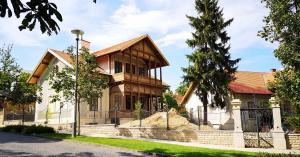 Tematikus vezetett séták Füreden #13 - Huray villák