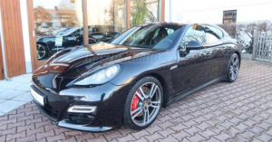Porsche, Ferrari, Rolls-Royce, Lamborghini – pezsgett a használtautó-piac