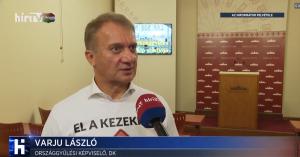Arcpirító: A DK szerint a demokráciában lehetett tüntetni