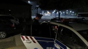 Vonatra szálltak a váci rendőrök, amikor belenéztek az egyik utas táskájába, azonnal kattant a bilincs
