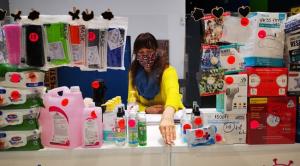 Xantus Barbara színésznő maszkárusítással próbálja kihúzni a járvány alatt