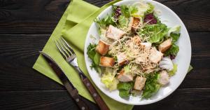 Így készül az igazi cézár saláta