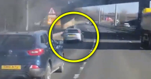 Nagyon úgy tűnik, megvan minden idők legrosszabb sofőrje! – VIDEÓ