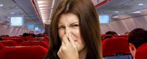 Notórius szellentő a fapados repülőgépen