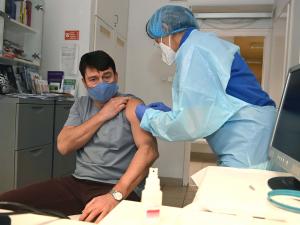 Beoltották a kínai vakcinával Áder Jánost
