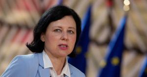 Az Európai Bizottság illegitimmé vált