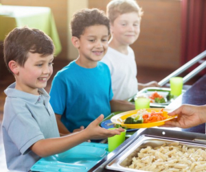 Nincs iskola és óvoda, de minden gyereknek jár az ebéd! Itt lehet igényelni
