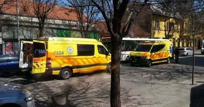 Autónak ütközött egy busz Szolnokon