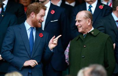 10 szavas közleményben búcsúzott Harry herceg szeretett nagyapjától, Fülöp hercegtől