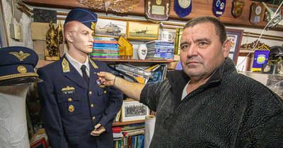 Pilótafelszerelések és jelvények, felvarrók is gazdagítják Katona József somlói gyűjteményét