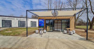 Modern épületben fogadják ezentúl a Tiszafüredre érkező turistákat
