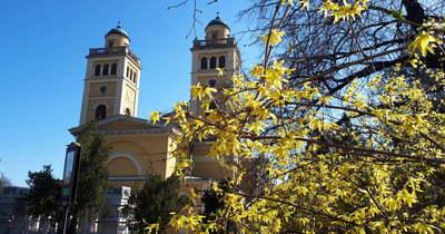 Beszökött a tavasz Egerbe: varázslatos fotók a virágba öltözött belvárosból