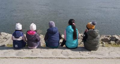 """""""Elfogytak a szavak és megállíthatatlanul sírtunk mindketten"""" - 5 magyar kisgyerek maradt félárván"""