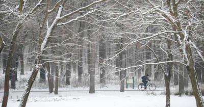 Érkezik a lehűlés: akár 10-20 centiméter hó is eshet
