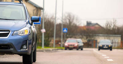 Keddtől a Babits Mihály utca mindkét oldalán tilos megállni