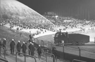 Kések, pisztolyok a stadionban – 30 éve játszották le minden idők legbotrányosabb BEK-negyeddöntőit