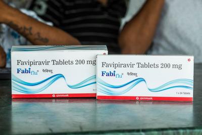 Jár az oltás és a favipiravir akkor is, ha érvénytelen a TAJ-szám