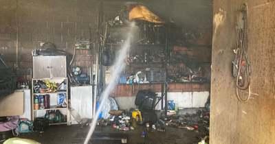 Teljes légzésvédelem mellett avatkoztak be a tűzoltók Borbányán (fotók)