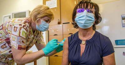 Az orosz vakcinával oltottak Orosházán