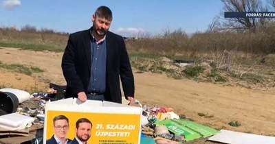 Ráküldték a balos lakájmédiát a kidobott plakátokat megtaláló polgármesterre