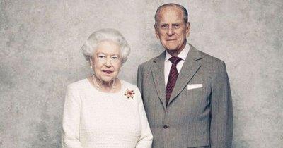 Szívszorító: egyedül kell ülnie imádott férje temetésén II. Erzsébetnek
