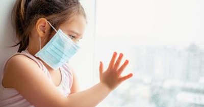A krónikus beteg gyerekeket is beoltják a Heim Pál kórházban