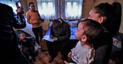Súlyosan érinti a romákat Gyurcsányék oltásellenes kampánya