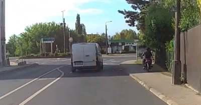A motorkerékpár oldja a KRESZ-t? Videós válogatás Veszprém megyéből