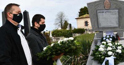Felújították József Attila nagyszüleinek szabadszállási sírját