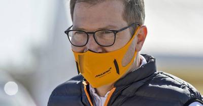F1: a McLaren-főnök csak nevetni tud a Mercedesen
