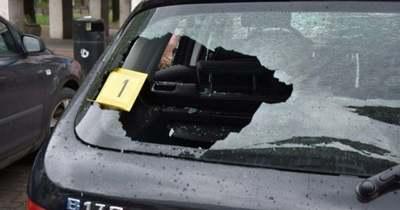 Kalapáccsal vert szét egy autót Dunaújvárosban egy 26 éves férfi