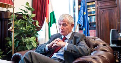 Álhírt terjeszt a Népszava: nem sértett jogot Polt Péter