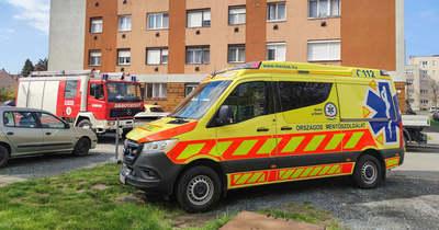 Rosszul lett egy ember, a tűzoltók nyitották ki az ajtót Szombathelyen