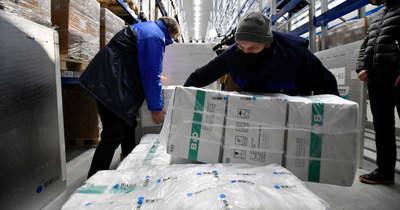 Több mint négy és fél millió adag keleti vakcina érkezik hamarosan