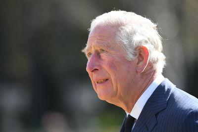 Károly herceg összeomlott, nem tudta visszatartani könnyeit