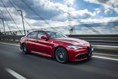 510 lóerő még sosem volt ilyen barátságos – Alfa Giulia Quadrifoglio teszt