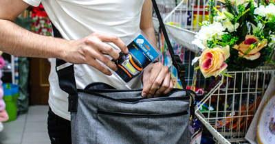 Bevásárlóközpontokban és az iskolában is lopnak a fiatalok