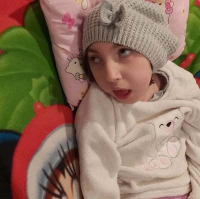 Családi tragédia: bármelyik percben utcára kerülhet a súlyos beteg Emma