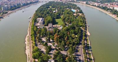 Eb 2020: álomszállások sztároknak – CR-ék a Margitszigetre költözhetnek