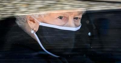 Halhatatlan szerelem: könnyek között búcsúzott férjétől Erzsébet királynő - képgaléria