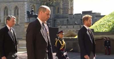 Megtört a jég? Harry herceg, Vilmos és Katalin együtt távoztak Fülöp herceg temetéséről – Fotó