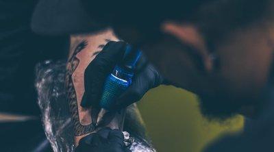 Intim kérdéssel fordult követőihez a nagymellű tetovált modell – 18+